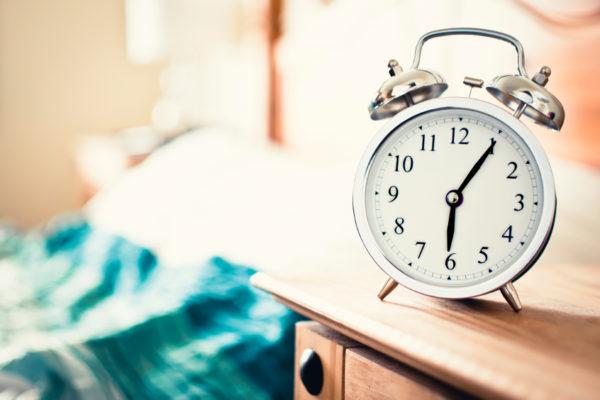 【早起き】朝型人間になる方法やメリット